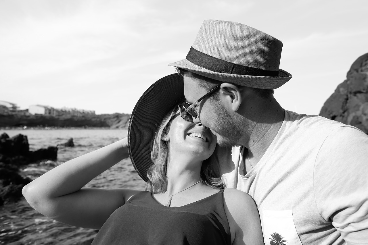7 signs to know if a man likes you